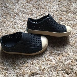 Black native toddler shoes